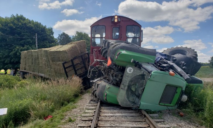 Man hospitalised following train collision with tractor in Ontario