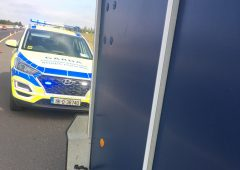 Vehicle towing horsebox 'reined in' by Gardaí