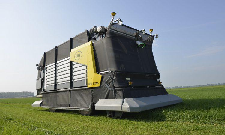 Pics: First 'fully autonomous' zero-grazing machine unveiled