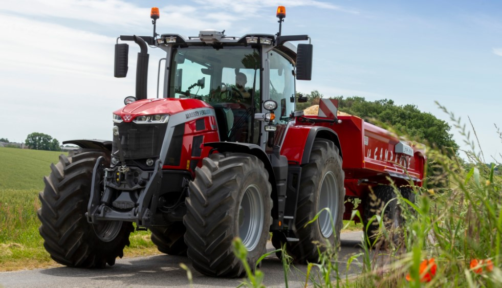 Pics: The lowdown on the Massey Ferguson MF 8S series