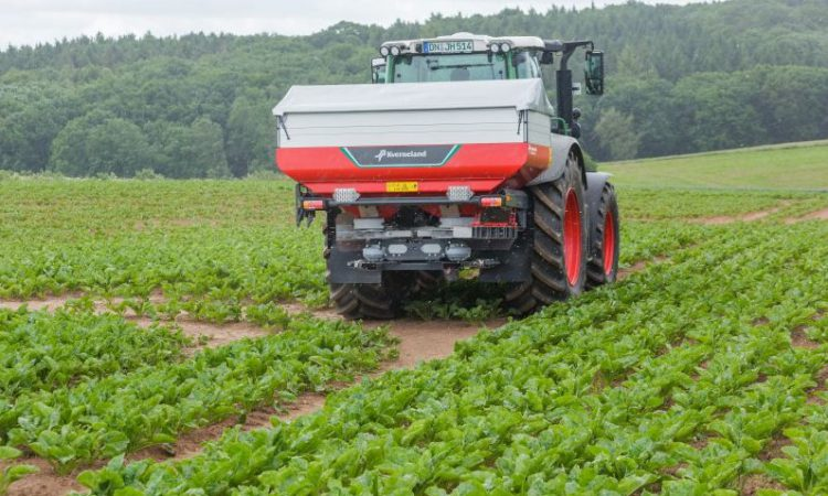 Kverneland reveals new products – featuring spreaders, harrows and cultivators