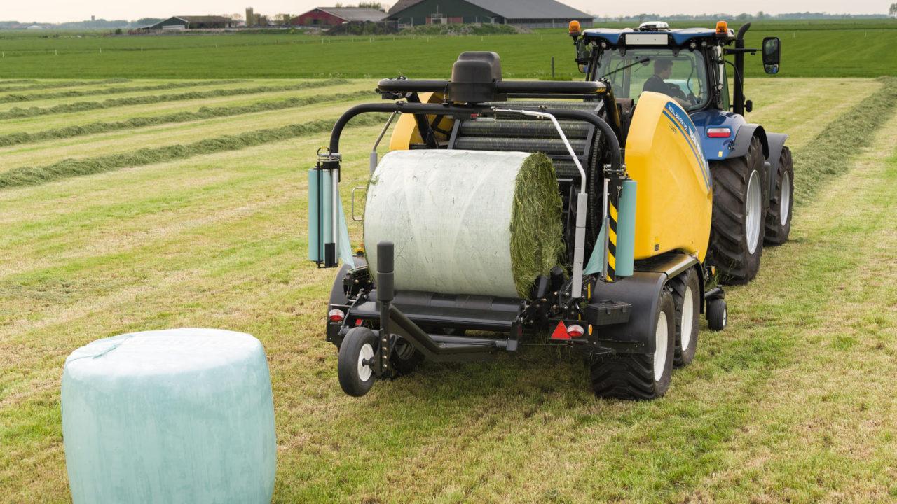 New Holland's latest: Roll Baler 125 Combi