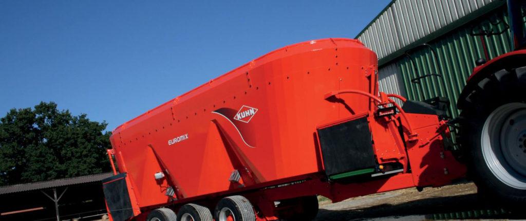 Kuhn mixer wagon