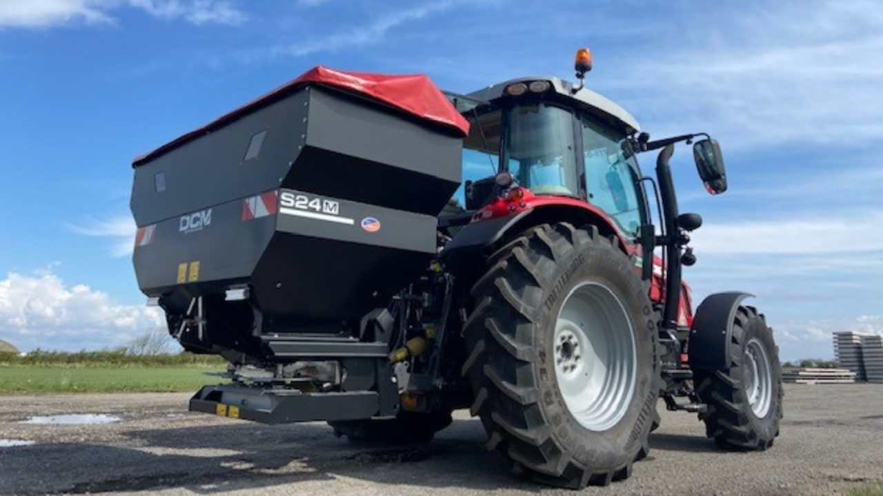 Farmers not checking fertiliser spreaders 'could be losing up to €115/ha'