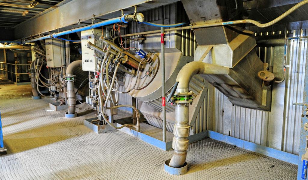 Furnace burning biomass