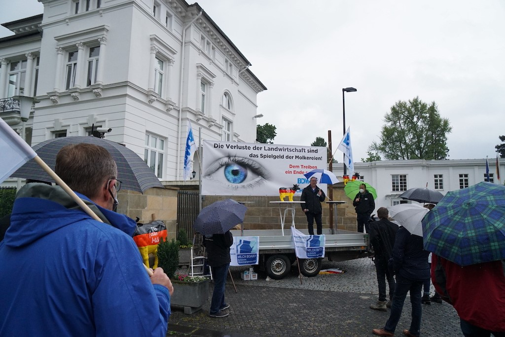 Dairy farmers across Europe to demonstrate for higher prices