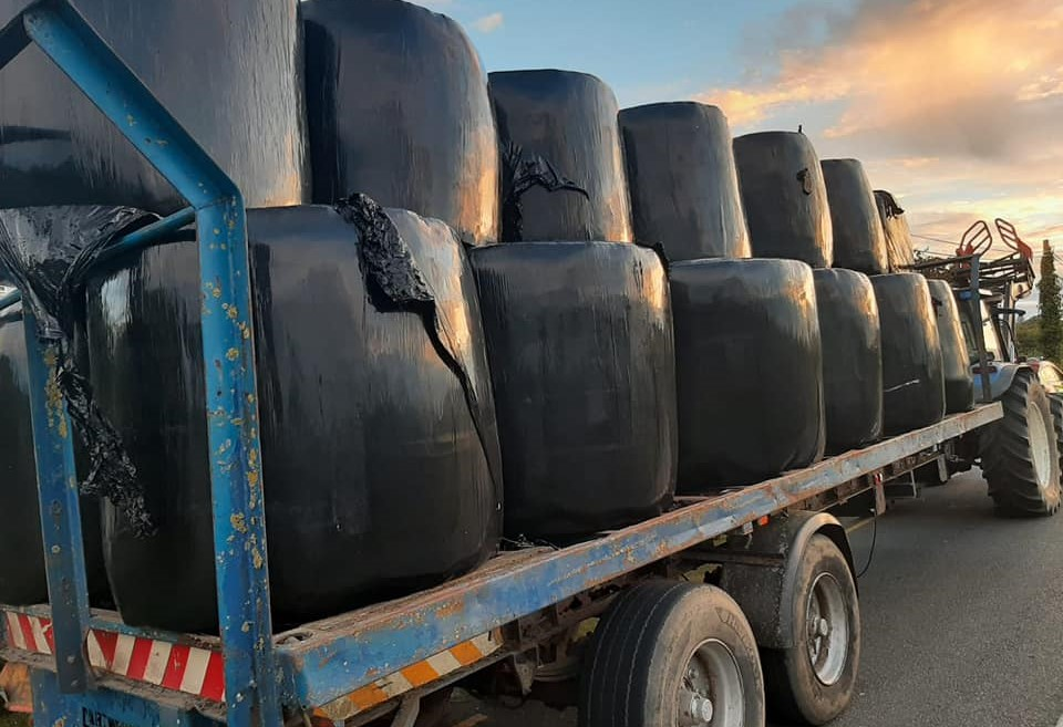 Gardaí pull over tractor for unsecured load of bales