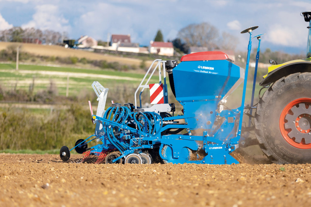 Sowing with Lemken Solitair Duo