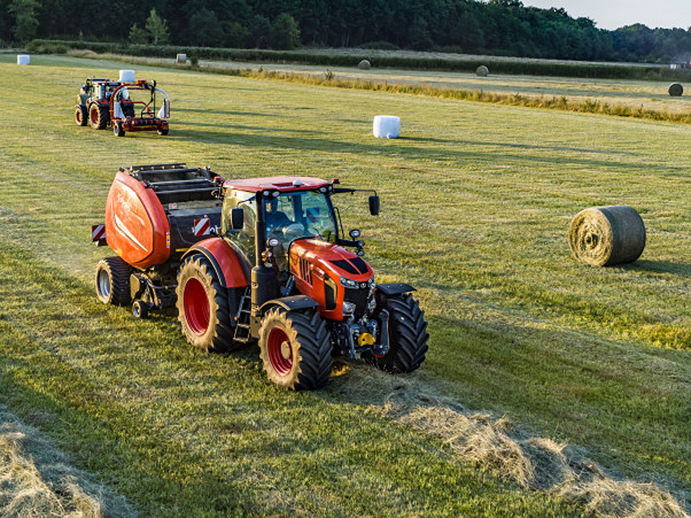 Connectivity between tractor and baler