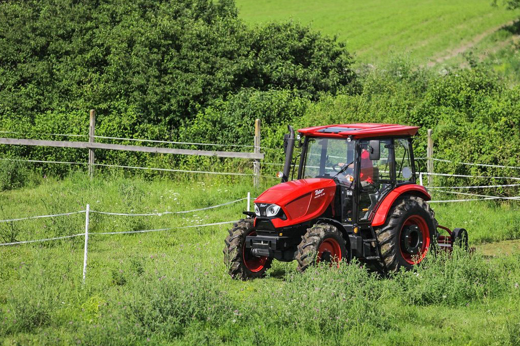 Zetor Major updated with cab choice and Stage V engine