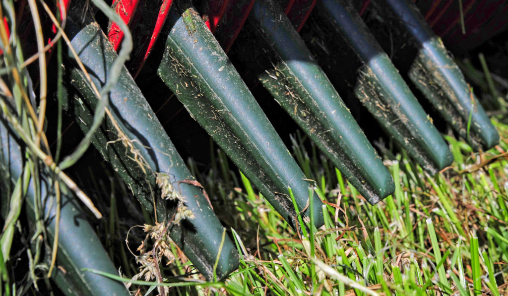Plastic fingers used on strautmann pick up reel