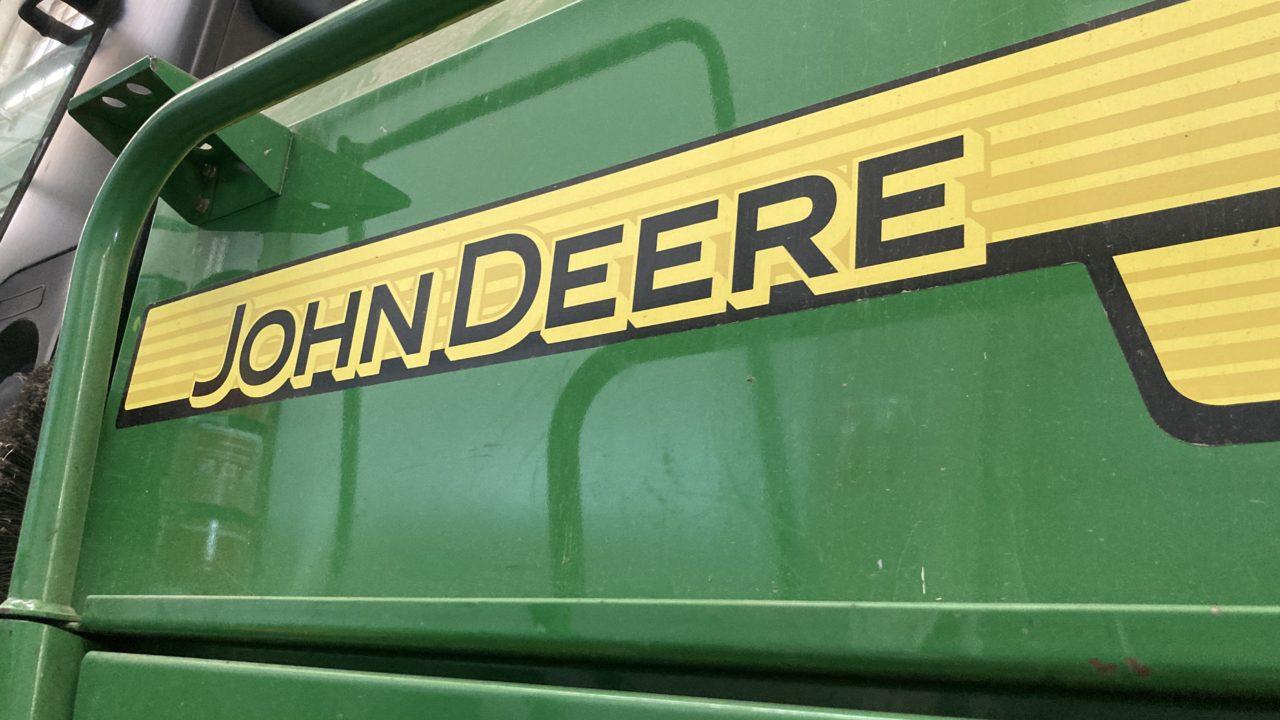 John Deere reports worldwide third quarter sales increase of 29%