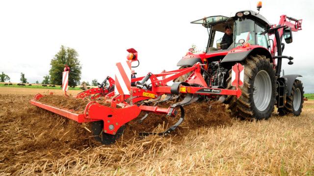 Watch: Kverneland dealer demo day highlights tillage gear