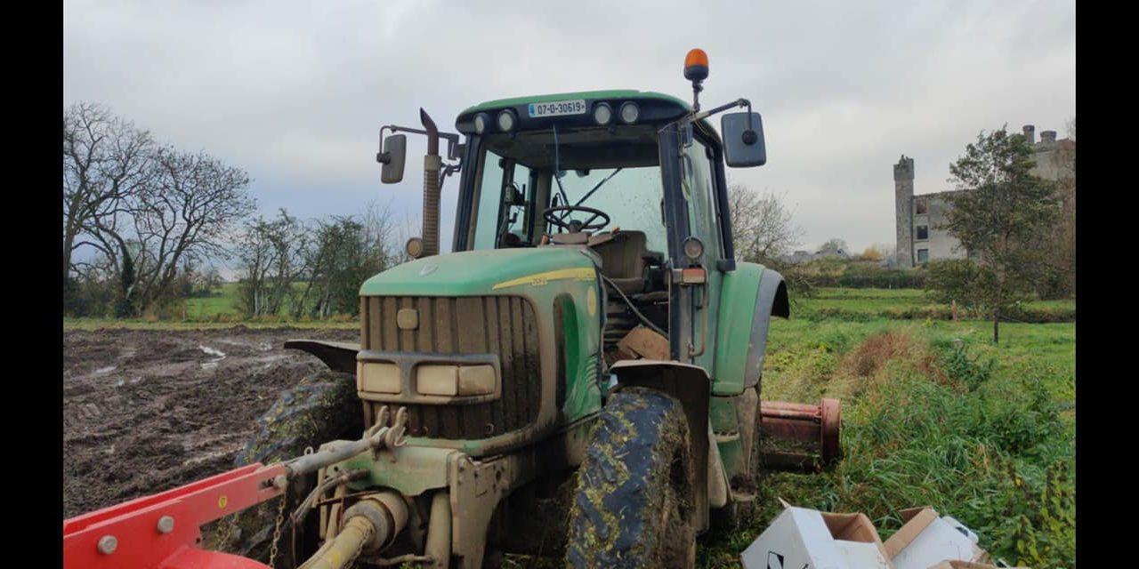 John Deere tractor along with topper stolen in Meath