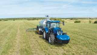 New Holland Methane Power Tractor wins top award